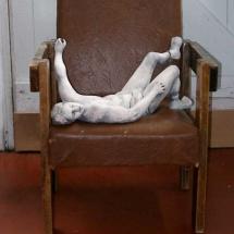 sculpture-reclining-man